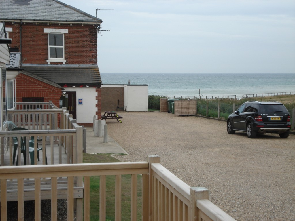 buy a static caravan or holiday home on the norfollk coast red house chalets